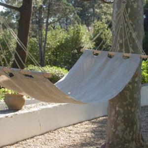 Hamac Bella Vista en chanvre créé par LaDivine Jardine en extérieur